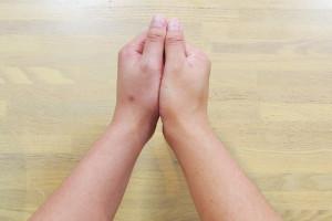under_hand_02