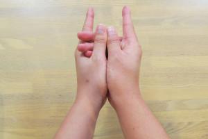 under_hand_03